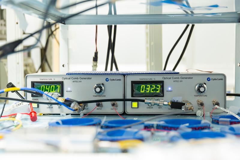 変調型光コム発生器