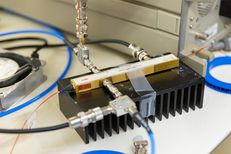 光単側波帯(SSB)変調器