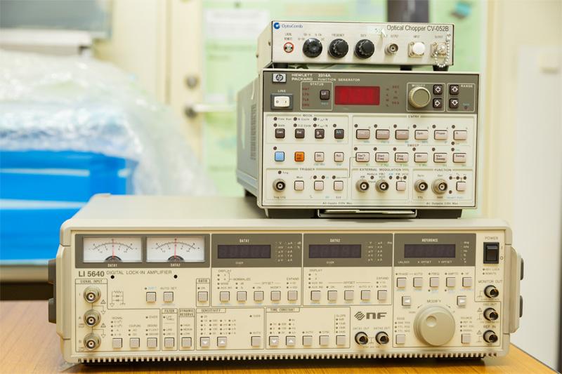 ロックインアンプ、インラインチョッパ、信号発生器